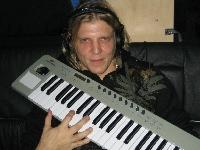 Apocalyptica - Mit Minzpastillen und House Musik auf Tour